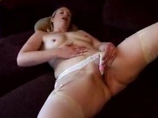 horny lady bed masturbation