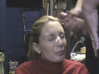 housewife receieving gigantic facial inside the