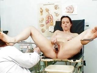 unpretty cougar maiden at pervy gyno doctorhttpww
