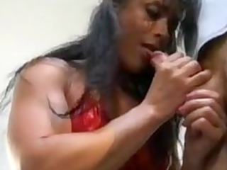 bodybuilding cougar girl ass