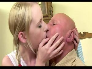 elderly guy fuck his young girlfriend (creampie)
