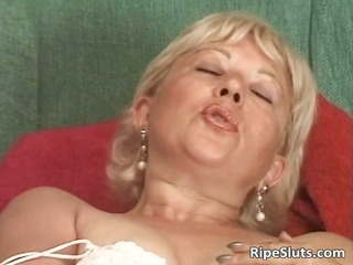incredible solo deed with naughty cougar part6