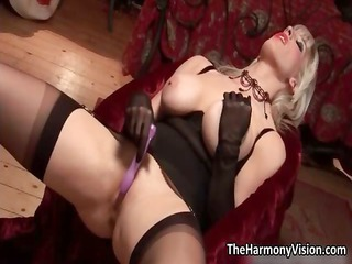desperate albino milf with huge boobs toying part1