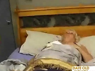 plump cougar bangs the massage male