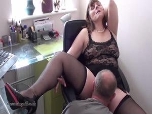 british mother id enjoy to fuck performs on cam