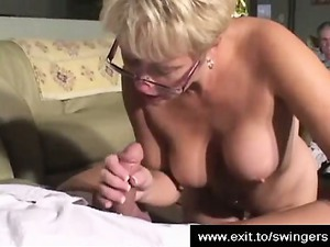 swinger mature babe tracey licking and wanking a