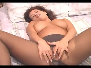 breasty mother id enjoy to fuck fisting her slut