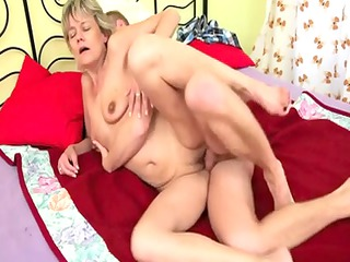 blond mommy fuck dude