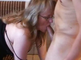 slutty fresh lady lick and fuck with white cream