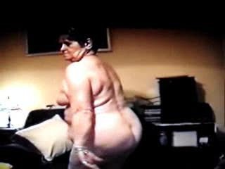 70 moment elderly old  marion gets nude