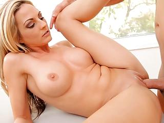 sexy mature babe sindy lange squirts