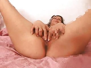mature babe solo masturbation