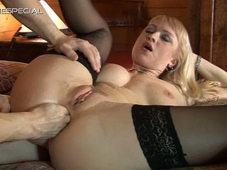 vanessa mature babe ass and fingering