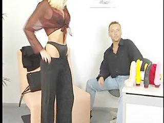 extremely impressive blonde mom gets banged with