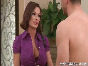 hot brunette lady with big bosoms part3