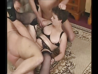 grownup woman into pantyhose tries triple penises