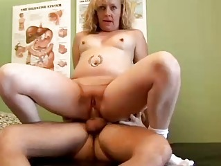 busty mature babe patient bangs the nurse