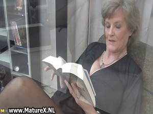 older maiden inside sexy brown nylons part4