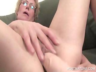 lusty milf pushing dildo craving pussy
