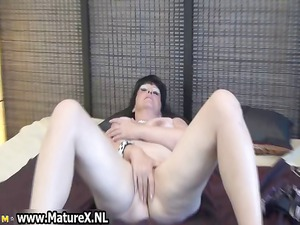 grown-up angel spreads her clean cave part5